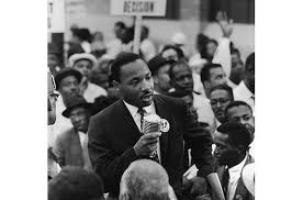 dr martin luther king jr photo essays time martin luther king civil rights 1960s naacp dom riders montgomery buss boycott i have a dream