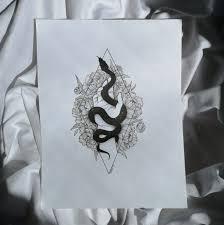 змея рука графика чернобелое эскиздлятату пионы арт рисунок