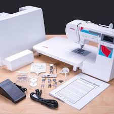 Janome MOD-100Q Quilting and Sewing Machine with Bonus Quilting ... & Janome MOD-100Q Quilting and Sewing Machine with Bonus Quilting Accessories Adamdwight.com