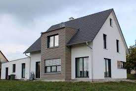 Einfamilienhaus Modern Holzhaus Satteldach Gaube Mit Flachdach