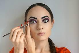 russian doll makeup eyeliner