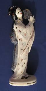 Geisha girl ashtray porcelain