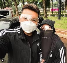 Meski bukan artis terkenal, nama pasangan muda natta reza dan wardah maulina berhasil mencuri perhatian netizen. 6euapmpnwinbkm