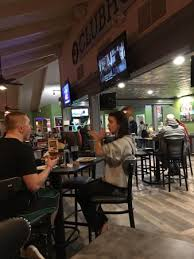 round table pizza orchards restaurant reviews phone number