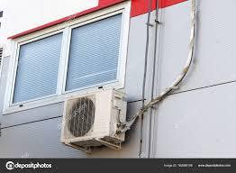 Klimaanlage Im Fenster Stockfoto Dejtan05 162688156