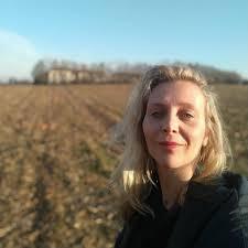 Intervista ad Anna Sicilia, docente al Mosè Bianchi serale di ...