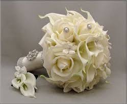 silk wedding bouquet, white calla lilies and white roses Wedding Flowers Silk silk wedding bouquet, white calla lilies and white roses, stephanotis and bling wedding flowers silk packages