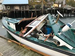 Lobster Boat Crashes Into South Bristol ...