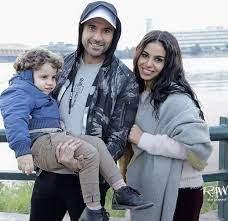 هل هذا ابن أحمد عز وزوجته؟ – صورة