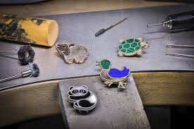 <b>Van Cleef</b> & Arpels' Introduces 5 <b>new</b> Members to the Lucky Animals ...