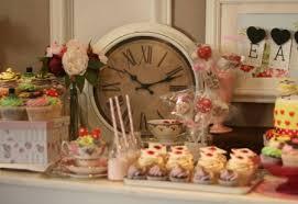 alice in wonderland inspired wedding cakes sprinkles and swirls Wedding Cupcakes Kent Uk alice in wonderland cake ta1 450x310 jpg Kent United Kingdom Map