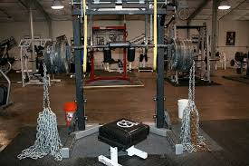Adding Chains Or Bands To Your Bench Press Can Blow Up Your One Chains Bench Press