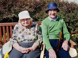 Elderly couple married for 71 years die four minutes apart   The ...
