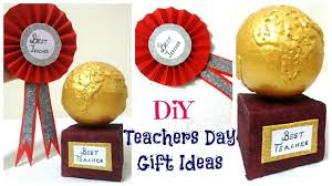 teachers day gift ideas 2 easy diy badge and trophy