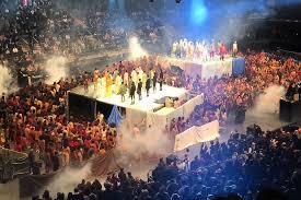 kanye west yeezy season 3 fashion show madison square garden nyc