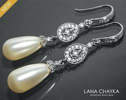 teardrop chandelier bridal earrings bridal pearl chandelier earrings ivory teardrop pearl earrings pearl silver wedding earrings