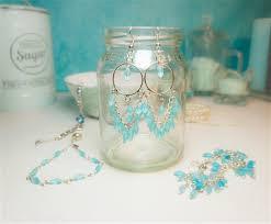 Perlen Bastelfrau