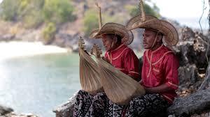 Musik tradisional krombi berasal dari daerah papua. Jenis Seni Musik Tradisional Asli Indonesia Yang Terkenal Tegaraya Com