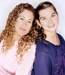 jodi picoult essay mother daughter bonding jodi picoult and her daughter samantha