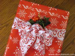 10 Quick  Beautiful Christmas Gift Wrap Ideas  A Field Trip Beautiful Christmas Gift Wrap