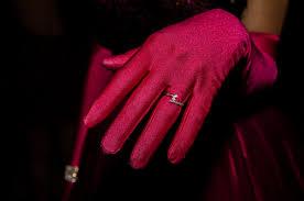 картинки рука женщина перчатка фотография кольцо цветок