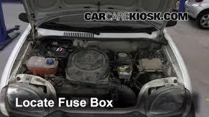 replace a fuse 1998 2010 fiat seicento 2006 fiat seicento 600 locate engine fuse box and remove cover