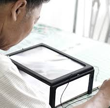 desk type led lighted magnifying glass big lens illuminated 3x magnifier rectangular reading loupe especially for old people in magnifiers from tools on