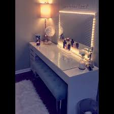 Vanity Light Up Lit Up Vanity Mirror And Table Everything Included Was