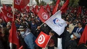 تونس: هل توسع المظاهرات رقعة الخلاف السياسي بين حركة النهضة وقيس سعيد؟