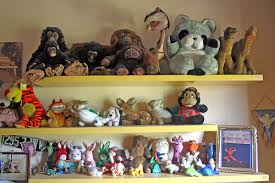 How to Store Stuffed Animals  (via Enrico on Flickr). (via Enrico on  Flickr)