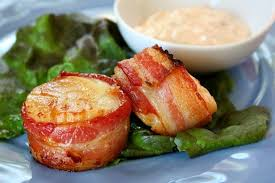bacon wrapped scallops with y cilantro mayonnaise