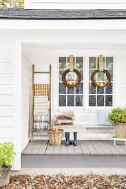 37 Beautiful Ways to Decorate Your Porch for Fall