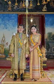 ร.10 พระราชทานพระบรมฉายาลักษณ์ที่ฉายคู่พระราชินี 8 พระรูปให้ดาวน์โหลด  สยามรัฐ