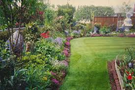 ... Ideas: awesome Backyard, Wonderful Colourful Round Vintage Grass  Backyard Flower Garden Decorative Flowers And Trees Design: ...
