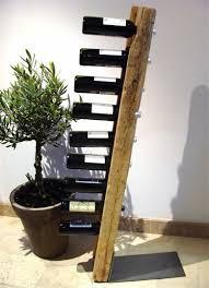 Weinstander Holz An Der Wand Modern Aussehen