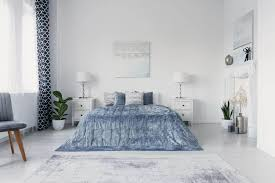 should bedroom curtains match bedding