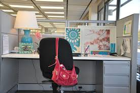 chic cubicle decorating ideas