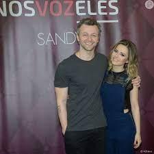 Sandy filmou o marido, Lucas Lima, fazendo uma nova tatuagem em seu  antebraço - Purepeople