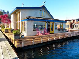 Houseboats In Seattle The Real Houseboat From Sleepless In Seattle Seattle Real