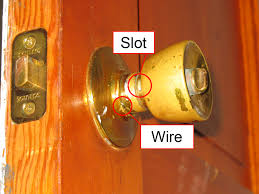 Remove a door knob that has no screws??? | Mike's Tech Blog