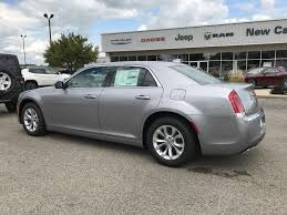 2018 chrysler sedans. simple chrysler new 2018 chrysler 300 touring on chrysler sedans