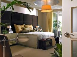 D Neutral Bedroom With Silver Leaf Drop Ceiling