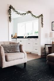 to hang garland without nails or damage