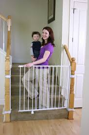 Best Baby Gates For Stairs With Banisters – Guide and Reviews | baby ...