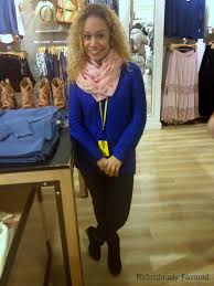 ridiculously favored i influenced fashion the s associate x in this photo forever 21 s associate vanessa p looks dazzling in her blue comfy sweater scarf jeans and boots