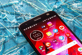 moto v2 force. once you\u0027re over the invincible screen and get to using moto z2 force, it\u0027s blazing fast. inside is qualcomm\u0027s snapdragon 835 processor, 4 gigs of ram, v2 force