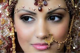gujarati bridal hairstyle and bridal makeup