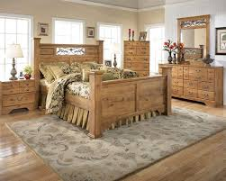 Pine Furniture Bedroom 8 Pc Ashley Bittersweet Pine Grain Queen Poster Bedroom Set