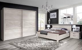 Schlafzimmer Betten 180x200 Schlafzimmer Wandfarbe Beere Bettwäsche