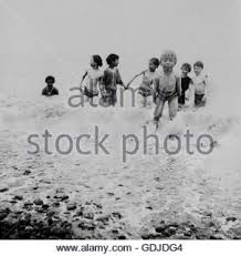 In Spiaggia Dei Bambini Che Giocano Al Mare Storia Sociale